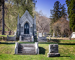 watkins-crypt-woodlawn-cemetery-mn