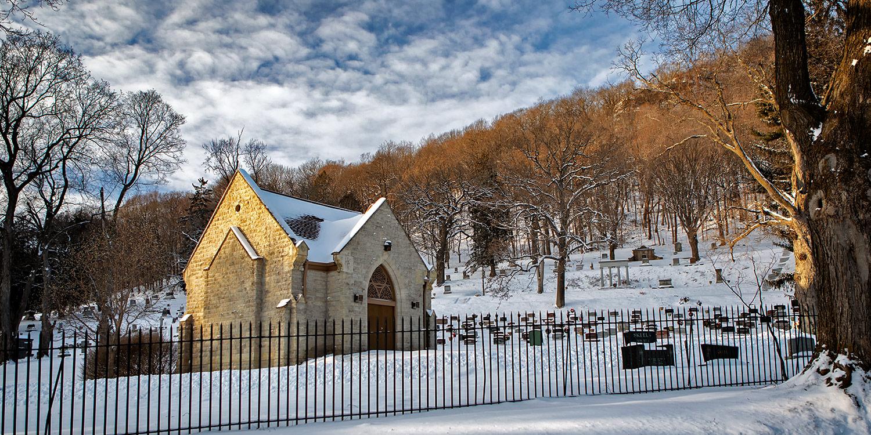 woodlawn-cemetery-winter-01