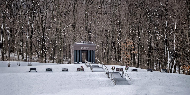 woodlawn-cemetery-winter-03