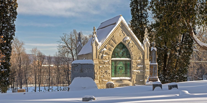 woodlawn-cemetery-winter-05
